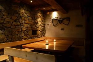 Eichmannhof: romantische Stimmung im Steinkeller