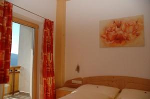 """Eichmannhof - Zimmer """"Golden"""": dieses Zimmer kann auch als Zusatzzimmer zur Ferienwohnung verwendet werden"""