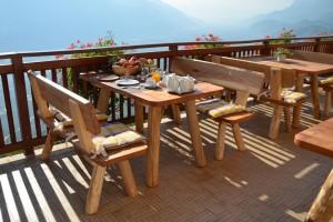 Eichmannhof Marling: Frühstück auf der Terasse