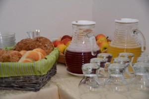 Eichmannhof: Frühstück mit selbstgemachten Säften und hofeigenem Obst