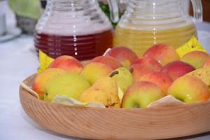Eichmannhof: Frühstück mit selbst angebautem Obst