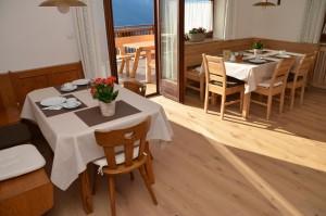 Frühstücksraum: neuer Holzboden