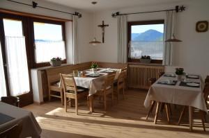 Frühstücksraum: neue Eckbank aus Eichenholz